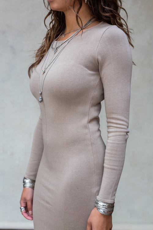Knitwear-model-img-photos 1